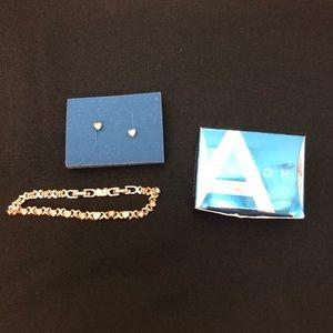 AVON Heart Bracelet & Post Earring Gift Set NIB